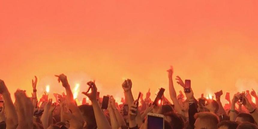 """В Череповце на фестивале """"Время колокольчиков"""" произошла массовая драка ОМОНа со зрителями"""