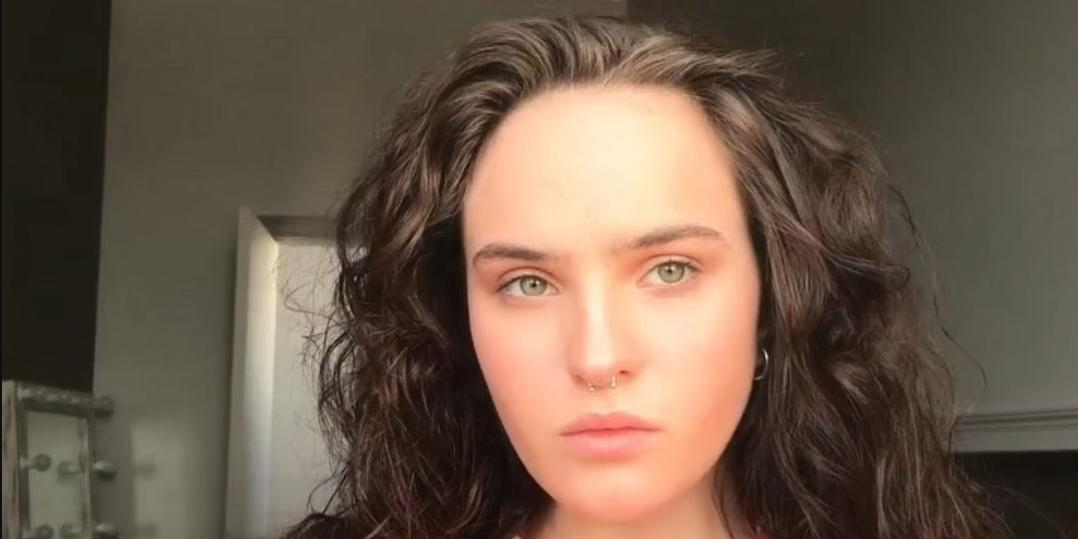 Дочь Гузеевой показала голую грудь, заявив, что не против познакомиться с обеспеченным москвичом за 50