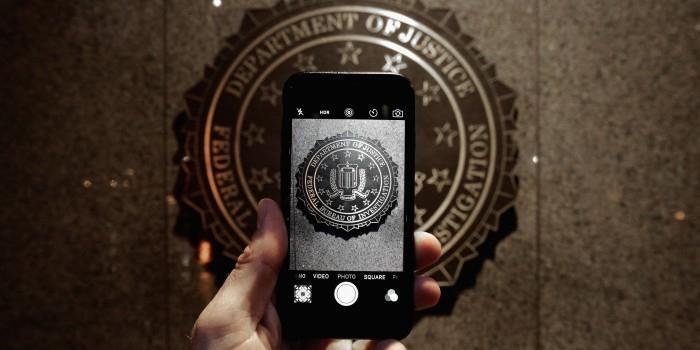 ФБР прослушивало разговоры советника Трампа с российским послом