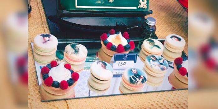 В Тюмени кондитеры к 100-летию расстрела царской семьи представили пирожные с лицами убитых