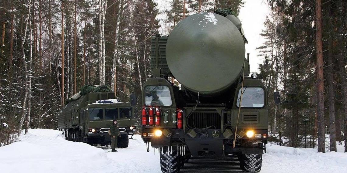 """Стратегические ракетные комплексы """"Ярс"""" засняли на МКАД"""