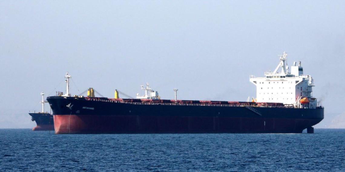 Поставки российской нефти в июле резко сократятся