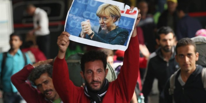 Бавария готова подать в суд на немецкое правительство, если не сократится поток мигрантов